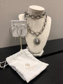 Kendra Scott Necklace And Earrings 202//269