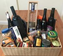WINE AND TEQUILA BASKET NUM 11 202//179